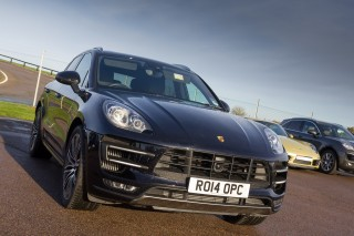 Porsche Macan Turbo 10