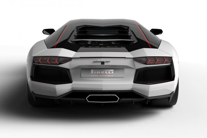 lamborghini aventador lp 700 4 pirelli edition rear end