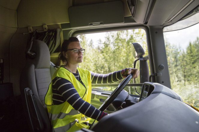Therese Persson Scania Electric Road 800x533